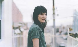 Jen Cloher and Bubbles the cat.