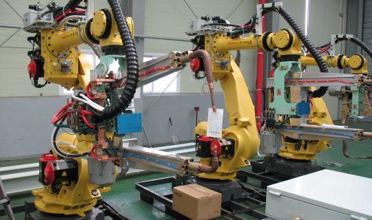 Artificial Intelligence vs. Human Operating Tasks