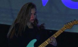 Inspiring beginnings for singer/song writer Vivv
